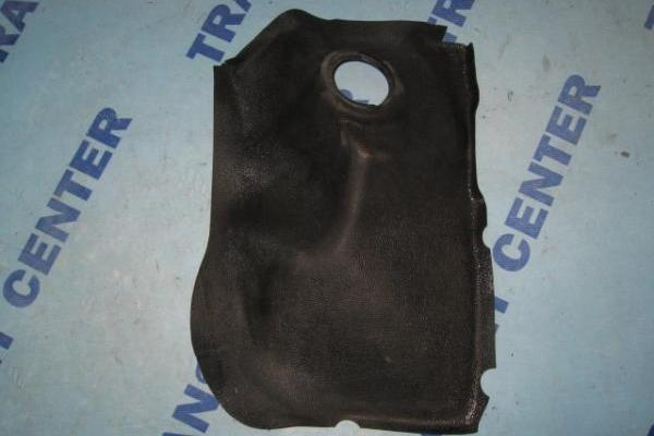 Right rubber on inner wheel arch Ford Transit 1986-1991